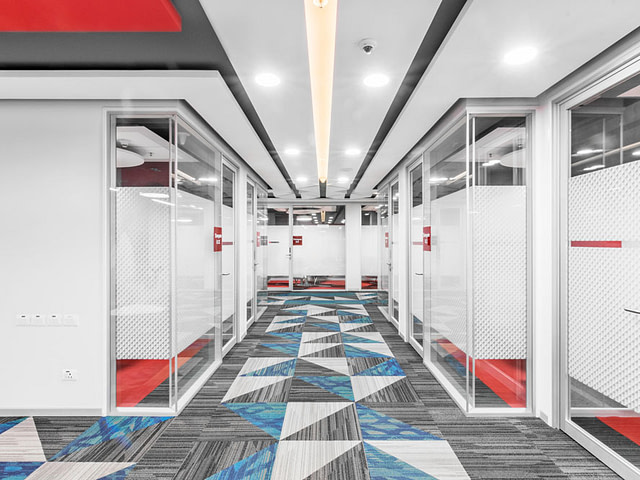 redpixl-photography-corporate-office-meeting-lobby